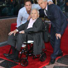 Aktorius M. Douglasas gavo žvaigždę Holivudo šlovės alėjoje