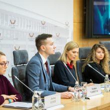 Onkologiniai ligoniai tvirtina patiriantys diskriminaciją: sunkumų kyla ne tik darbe
