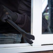 Mažeikių rajone iš namo pavogta per 10 tūkst. eurų