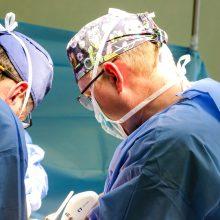 Pirmą kartą atlikta unikali procedūra: padeda lengviau pašalinti kalcio sankaupas iš kraujagyslių