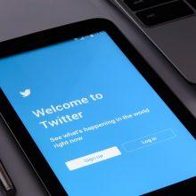 """""""Twitter"""" stiprina politikų ir žurnalistų paskyrų apsaugą"""