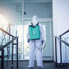 Koronavirusas plinta ir įmonėse, ir šeimose: situacija globos namuose – labai bloga