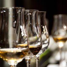 Seime – sumanymas keisti prekybos alkoholiu tvarką rugsėjo 1-ąjai esant savaitgalį
