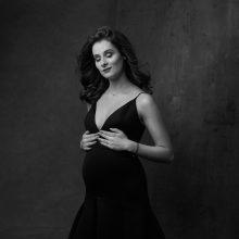 Besilaukianti aktorė S. Vievesė: nėštumas man padovanojo meilę sau
