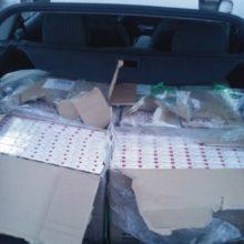 Pareigūnų laimikis Šiaulių rajone: įkliuvo cigaretes vežęs kontrabandininkas