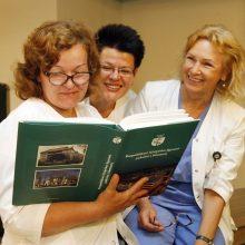 Dėmesys: kiekvienas ligoninės darbuotojas gaus dovanų po knygą