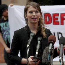 """""""WikiLeaks"""" informatorė C. Manning vėl pasiųsta už grotų"""