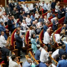 """Aukščiausiojoje Radoje subyrėjo parlamentinė koalicija """"Europinė Ukraina"""""""