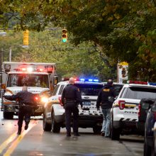 Pensilvanijoje šaulys per dvejas šaudynes nušovė du vyrus ir nusižudė