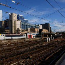 Briuselyje pasišildyti nusprendęs benamis paralyžiavo traukinių eismą