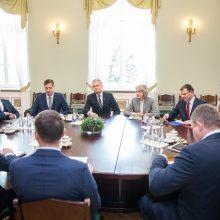 """Ministrai ir prezidentas: jei mažės ES lėšos, Lietuva neišvengs """"šoko terapijos"""""""