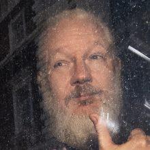 J. Assange'as mėgino šnipinėti kitas šalis iš Ekvadoro ambasados Londone