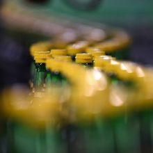 Verslas nepritaria, kad plastiko kamšteliai turės būti tvirtinami prie butelio