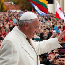 Įvertinkite: socialiniuose tinkluose plinta daina apie popiežiaus vizitą Lietuvoje