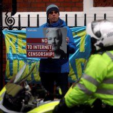 Leiboristų partijos lyderis: JK turėtų nepritarti J. Assange'o ekstradicijai