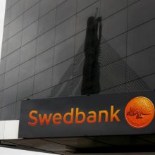 """""""Swedbank"""" nušalino nuo pareigų Estijos padalinio vadovą"""