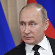 """V. Putinas sako esąs pasirengęs """"visiškai atkurti"""" santykius su Ukraina"""