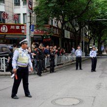 Šanchajuje įgriuvus renovuojamo pastato stogui žuvo penki darbininkai