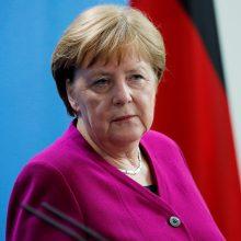 Vokietijos kanclerė sako nesieksianti posto ES institucijose