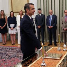 Prisaikdintas naujasis Graikijos premjeras K. Micotakis