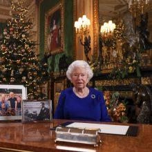 """Britanijos karalienė prabilo apie """"gana sudėtingus"""" metus"""