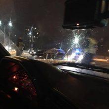 Avarija Alytuje: vairuotoja nepraleido su švyturėliais skubėjusių pareigūnų