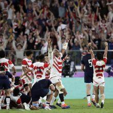 Japonijos regbininkų pasaka tęsiasi – nugalėti škotai ir bilietas į ketvirtfinalį