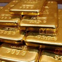 Netikėtas radinys lėktuvo tualete: rado 23 kilogramus aukso