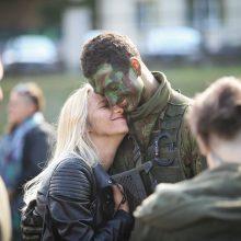 Finišas: Lietuvos kariūnai grįžo iš 30 km žygio pėsčiomis