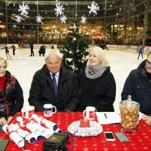 Kalėdų belaukiant: Teatro aikštėje bus išlieta čiuožykla po atviru dangumi