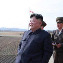Šiaurės Korėja svarsto galimybę atšaukti ginklų bandymų moratoriumą