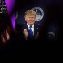D. Trumpas skelbia pergalę prekybos kare, bet JAV ūkininkai nori žinoti daugiau
