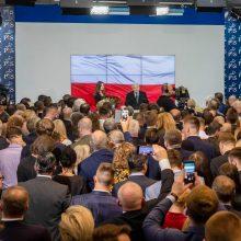 Oficialūs rezultatai: Lenkijos valdančioji partija užsitikrino absoliučią daugumą