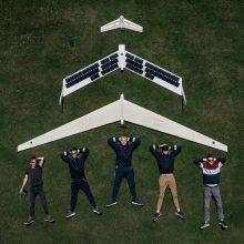 Jaunieji mokslininkai sukūrė pirmąjį paukščio skrydžiu paremtą bepilotį orlaivį