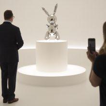 J. Koonso skulptūra aukcione parduota už rekordinius 91,1 mln. dolerių