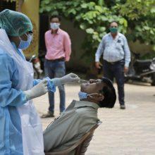 Indijoje užfiksuotas COVID-19 antirekordas – 67 tūkst. naujų užsikrėtimo atvejų