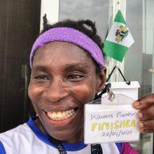 Neįtikėtiną ryžtą parodžiusi Nigerijos bėgikė Kauno maratoną įveikė savo namų balkone