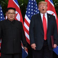"""Kinijos prezidentas ragina Šiaurės Korėją ir JAV """"susitikti pusiaukelėje"""""""