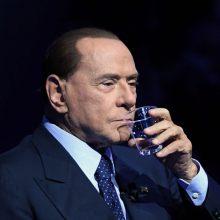 """Koronavirusu užsikrėtęs S. Berlusconi """"atsargumo sumetimais"""" hospitalizuotas"""