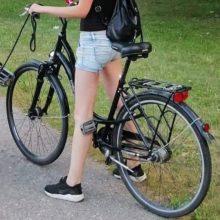 Įžūli vagystė Alytuje – pavogtas merginos dviratis: gal matėte?