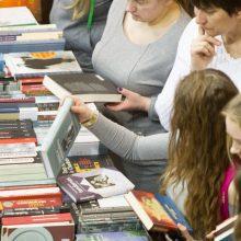 Skelbiamas populiariausių knygų dešimtukas: ką skaito lietuviai?