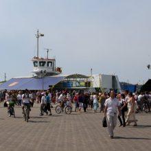 Rekordinis savaitgalis Kuršių mariose: atlikti 193 papildomi keltų reisai