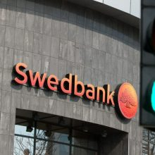 """""""Swedbank"""" valdybos pirmininkas: pinigų plovimo skandalas – rimta problema"""