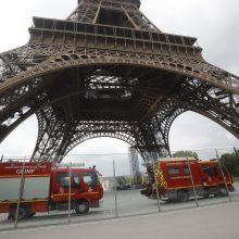 Ant Eifelio bokšto pastebėjus laipiotoją buvo evakuoti visi lankytojai