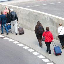 Vyriausybė svarstys vėliau, ar anuliuoti emigrantų nesumokėtus mokesčius