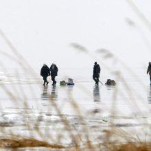 Žvejai pajūryje bandys pirmąjį ledą?