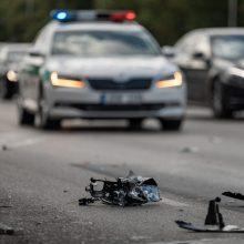 Antradienį šalies keliuose per avarijas sužeista dešimtys žmonių, vienas – žuvo