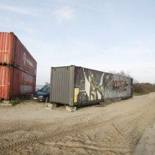 Metaliniai konteineriai bado akis: griozdai nardinami į skundų jūrą