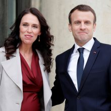 E. Macronas ir J. Ardern Paryžiuje vadovaus susitikimui prieš ekstremizmą internete