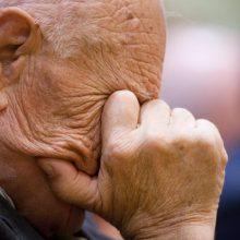 Senolis bandė išvengti dalies bausmės: realizavo konfiskuotiną mašiną
